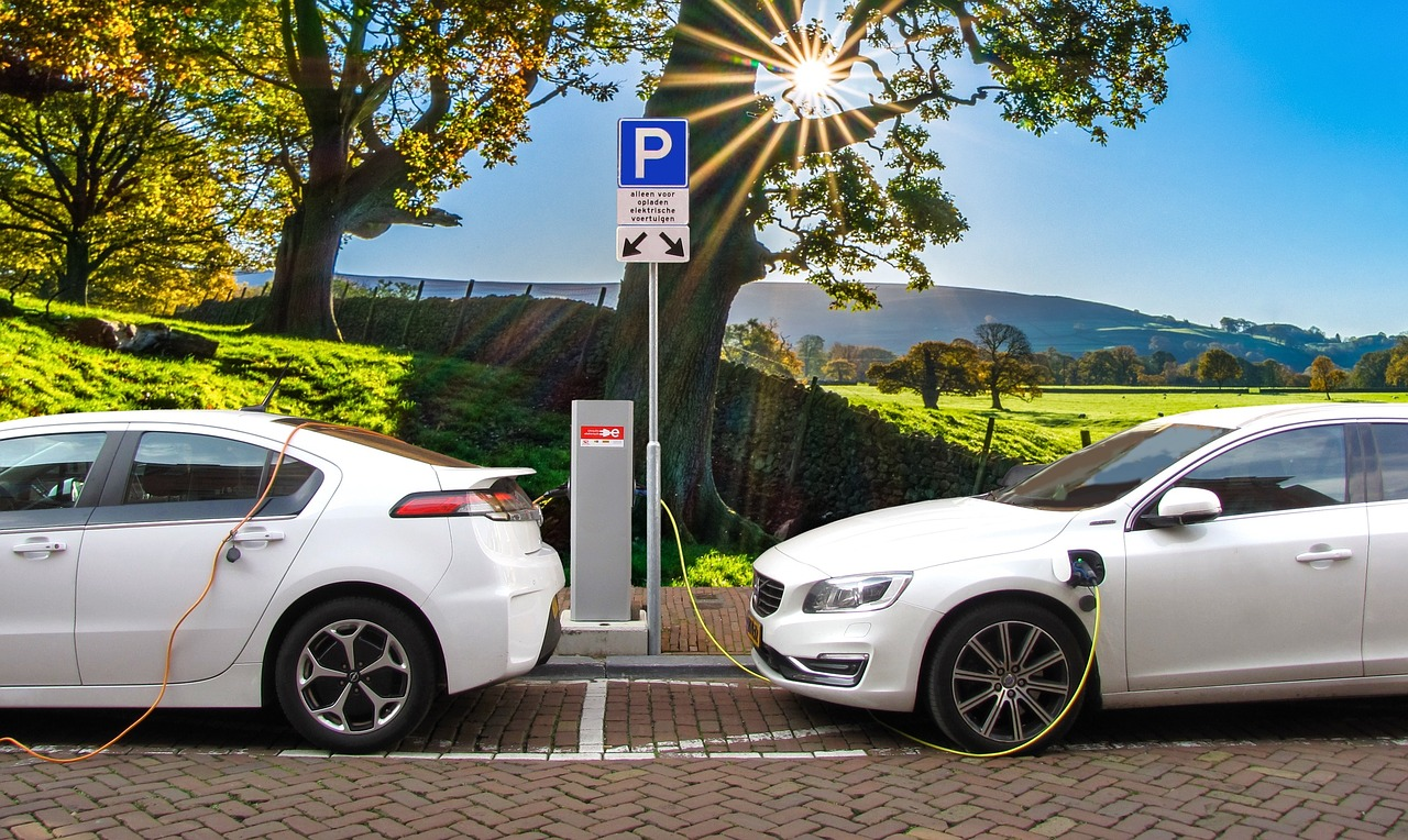 Jakie są zalety samochodów elektrycznych?